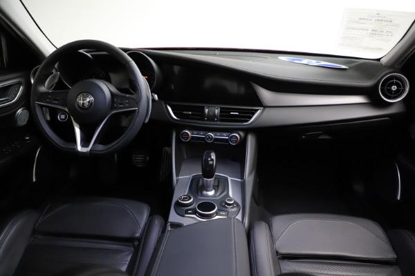 Used 2018 Alfa Romeo Giulia Ti Sport Q4 for sale $31,900 at Pagani of Greenwich in Greenwich CT 06830 16
