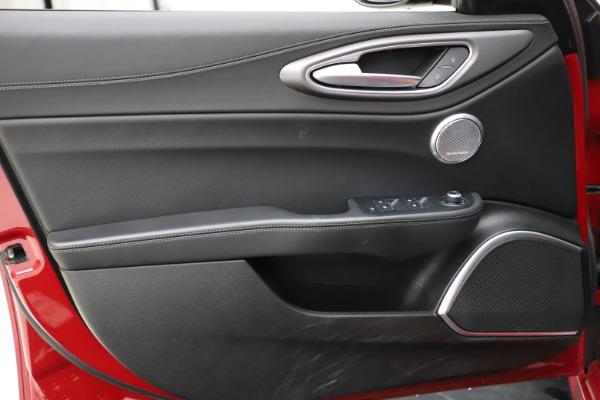 Used 2018 Alfa Romeo Giulia Ti Sport Q4 for sale $31,900 at Pagani of Greenwich in Greenwich CT 06830 17