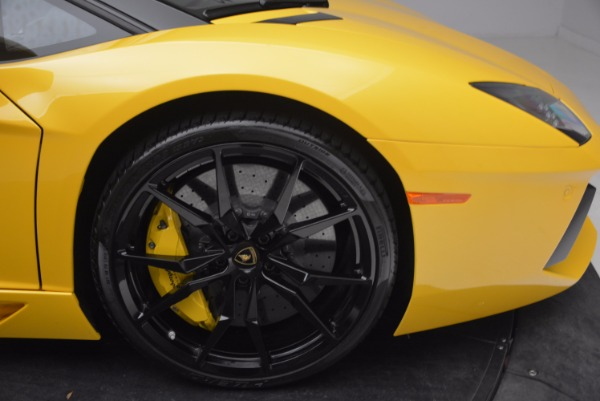 Used 2015 Lamborghini Aventador LP 700-4 Roadster for sale Sold at Pagani of Greenwich in Greenwich CT 06830 27