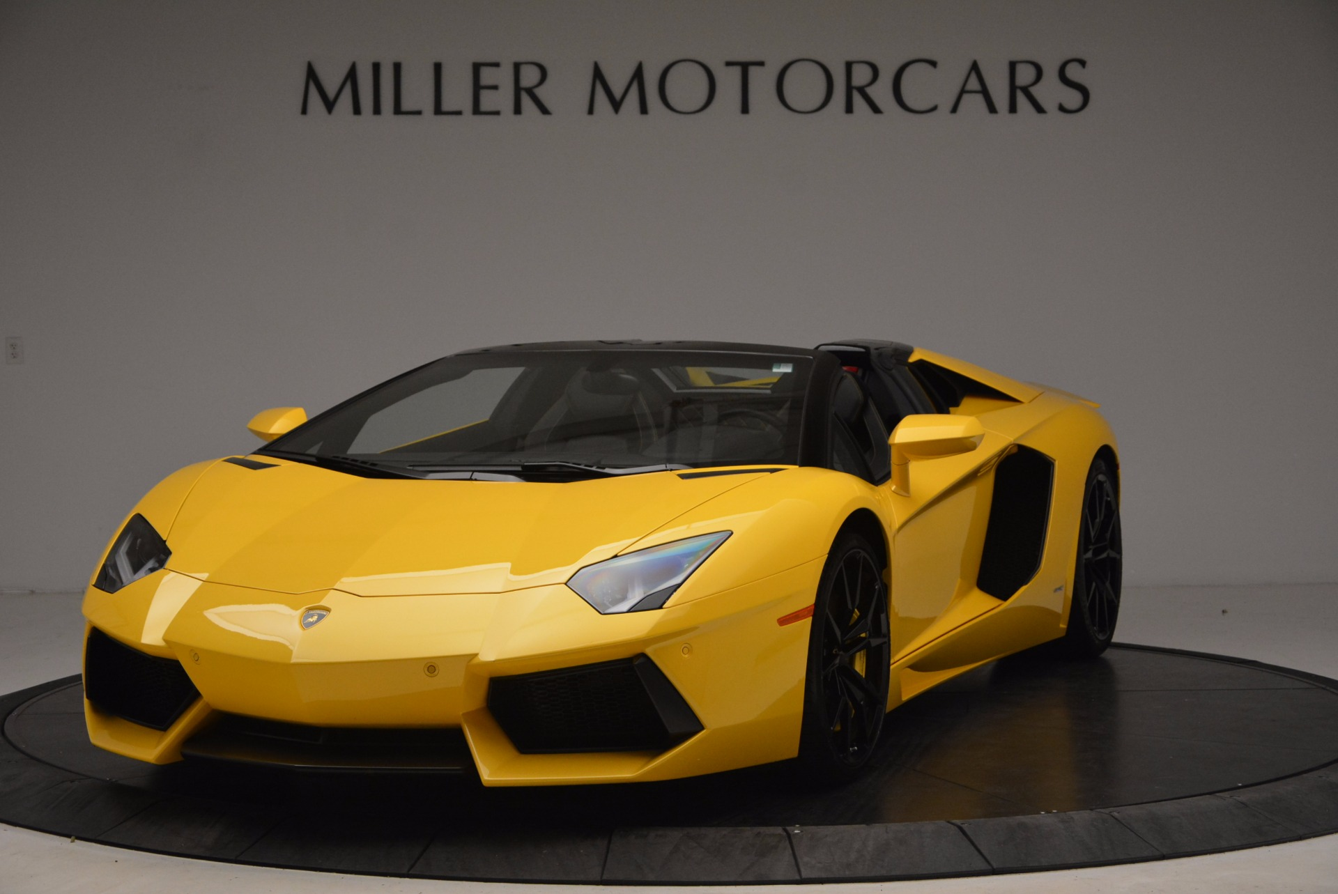 Used 2015 Lamborghini Aventador LP 700-4 Roadster for sale Sold at Pagani of Greenwich in Greenwich CT 06830 1