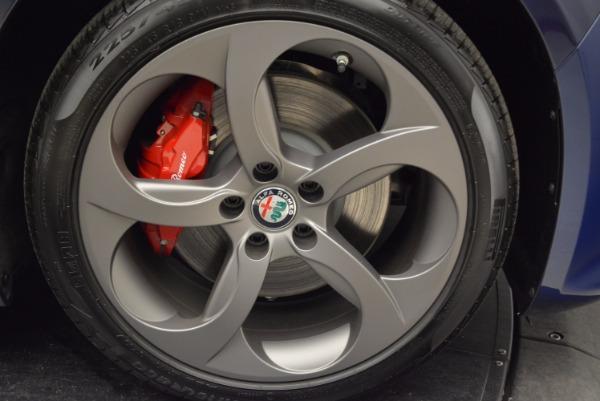 New 2018 Alfa Romeo Giulia Sport Q4 for sale Sold at Pagani of Greenwich in Greenwich CT 06830 25
