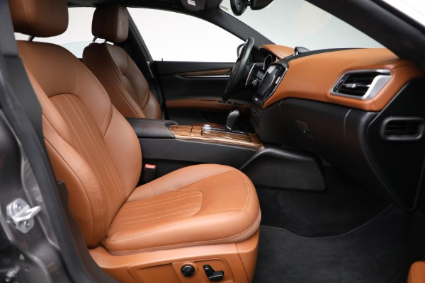 Used 2018 Maserati Ghibli S Q4 for sale Sold at Pagani of Greenwich in Greenwich CT 06830 20