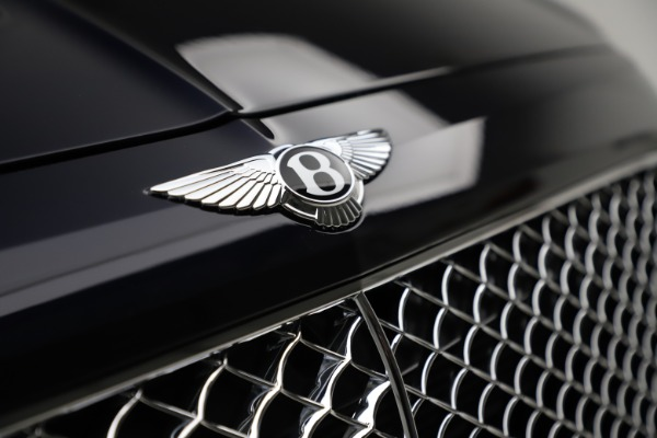 Used 2018 Bentley Bentayga W12 Signature for sale $154,900 at Pagani of Greenwich in Greenwich CT 06830 15