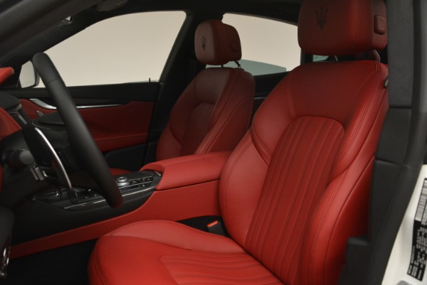 New 2018 Maserati Levante Q4 GranLusso for sale Sold at Pagani of Greenwich in Greenwich CT 06830 15