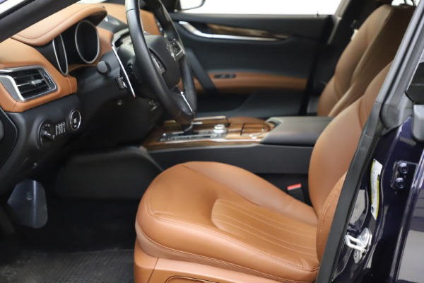 Used 2018 Maserati Ghibli S Q4 for sale $53,900 at Pagani of Greenwich in Greenwich CT 06830 15