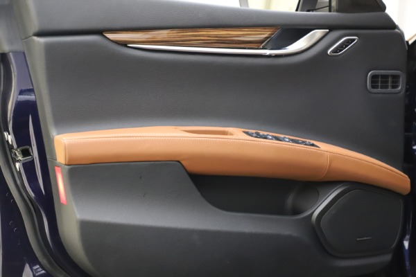 Used 2018 Maserati Ghibli S Q4 for sale $53,900 at Pagani of Greenwich in Greenwich CT 06830 17