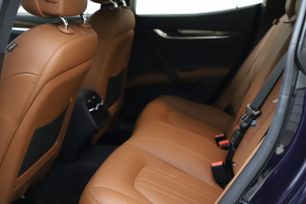 Used 2018 Maserati Ghibli S Q4 for sale $53,900 at Pagani of Greenwich in Greenwich CT 06830 19
