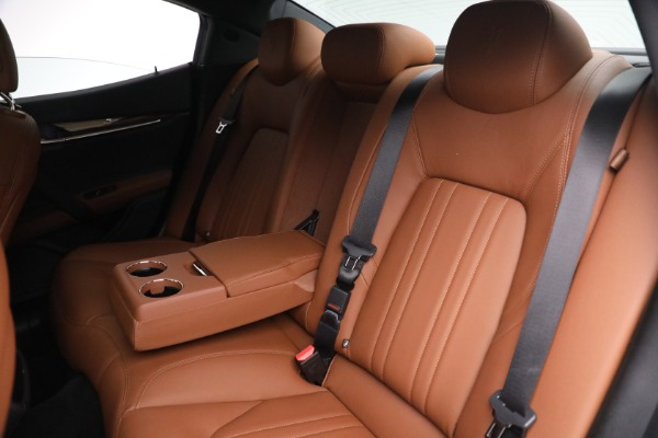 Used 2018 Maserati Ghibli S Q4 for sale $54,900 at Pagani of Greenwich in Greenwich CT 06830 23