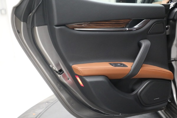 Used 2018 Maserati Ghibli S Q4 for sale $54,900 at Pagani of Greenwich in Greenwich CT 06830 24