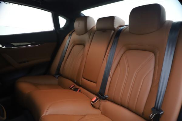 Used 2018 Maserati Quattroporte S Q4 GranLusso for sale $65,900 at Pagani of Greenwich in Greenwich CT 06830 18