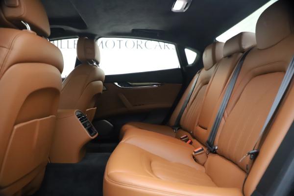 Used 2018 Maserati Quattroporte S Q4 GranLusso for sale $65,900 at Pagani of Greenwich in Greenwich CT 06830 19