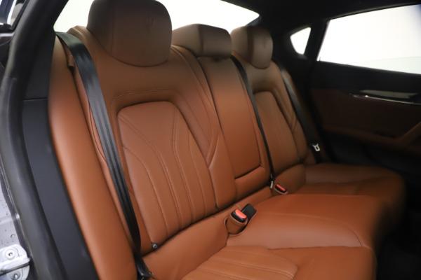 Used 2018 Maserati Quattroporte S Q4 GranLusso for sale $65,900 at Pagani of Greenwich in Greenwich CT 06830 24