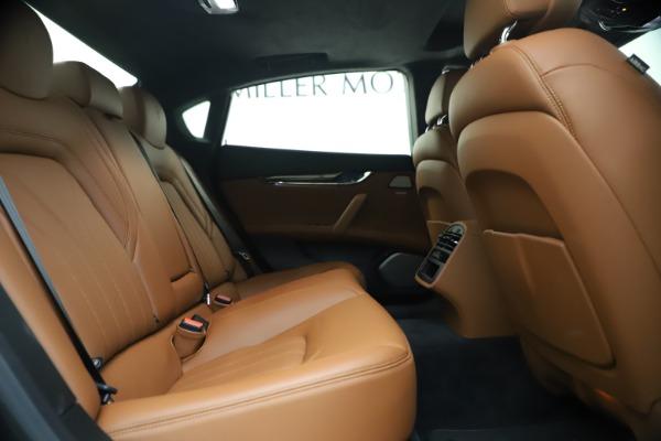 Used 2018 Maserati Quattroporte S Q4 GranLusso for sale $65,900 at Pagani of Greenwich in Greenwich CT 06830 25