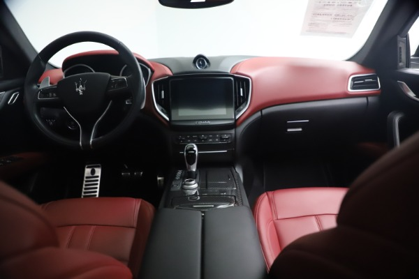 Used 2018 Maserati Ghibli S Q4 GranSport for sale Call for price at Pagani of Greenwich in Greenwich CT 06830 16