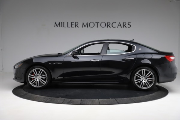 Used 2018 Maserati Ghibli S Q4 Gransport for sale $55,900 at Pagani of Greenwich in Greenwich CT 06830 3