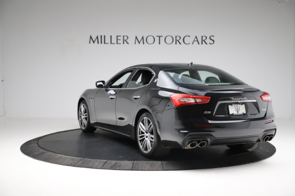 Used 2018 Maserati Ghibli S Q4 Gransport for sale $55,900 at Pagani of Greenwich in Greenwich CT 06830 5