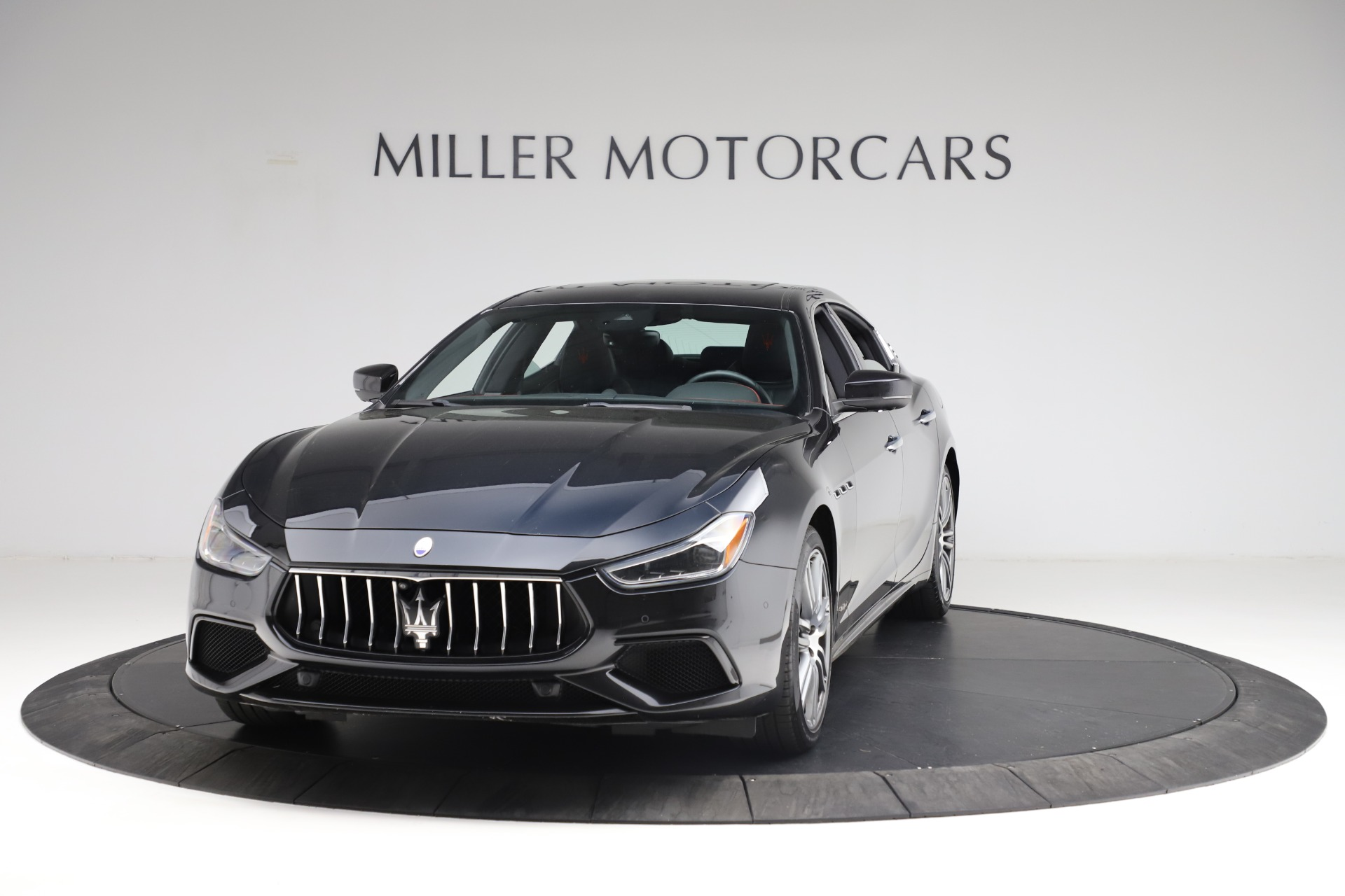 Used 2018 Maserati Ghibli S Q4 Gransport for sale $55,900 at Pagani of Greenwich in Greenwich CT 06830 1