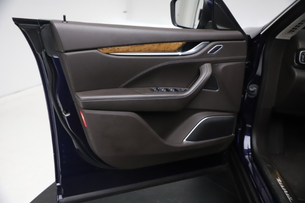 Used 2018 Maserati Levante S Q4 GranLusso for sale $67,900 at Pagani of Greenwich in Greenwich CT 06830 15