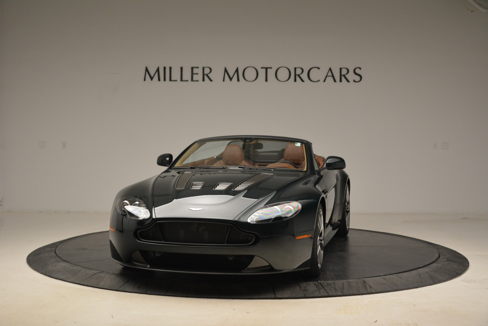 Used 2017 Aston Martin V12 Vantage S Roadster for sale Sold at Pagani of Greenwich in Greenwich CT 06830 1
