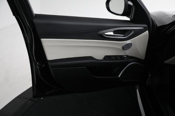 Used 2018 Alfa Romeo Giulia Ti Sport Q4 for sale $34,900 at Pagani of Greenwich in Greenwich CT 06830 15