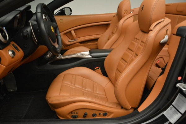 Used 2014 Ferrari California 30 for sale Sold at Pagani of Greenwich in Greenwich CT 06830 26