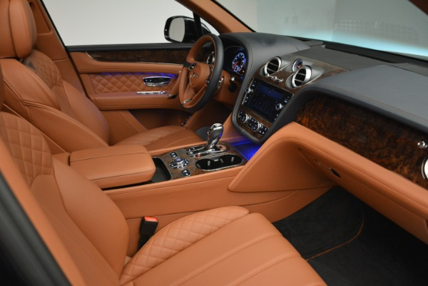 Used 2018 Bentley Bentayga W12 Signature for sale Sold at Pagani of Greenwich in Greenwich CT 06830 24