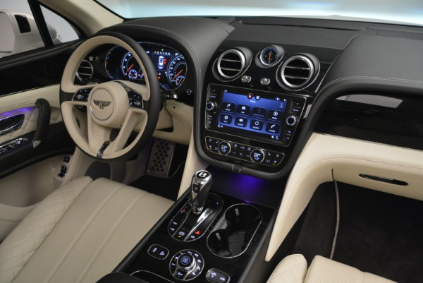 Used 2018 Bentley Bentayga Signature for sale Sold at Pagani of Greenwich in Greenwich CT 06830 28
