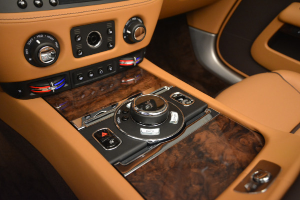 Used 2018 Rolls-Royce Dawn for sale Sold at Pagani of Greenwich in Greenwich CT 06830 24