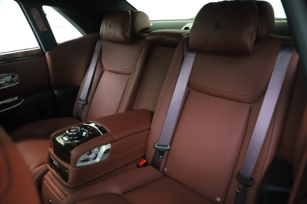 Used 2016 Rolls-Royce Ghost for sale $176,900 at Pagani of Greenwich in Greenwich CT 06830 15