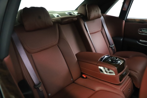 Used 2016 Rolls-Royce Ghost for sale $176,900 at Pagani of Greenwich in Greenwich CT 06830 16