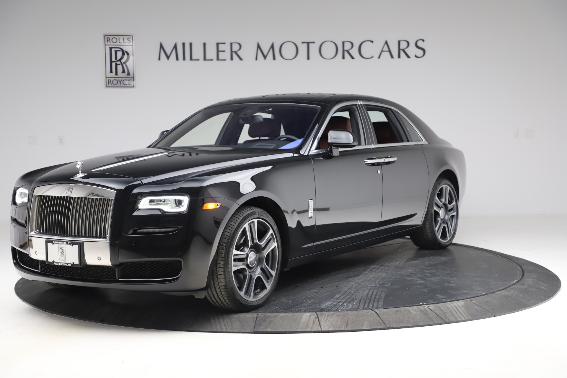 Used 2016 Rolls-Royce Ghost for sale $176,900 at Pagani of Greenwich in Greenwich CT 06830 1