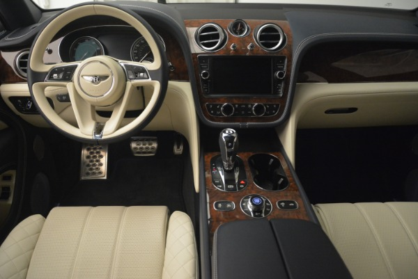 Used 2018 Bentley Bentayga W12 Signature for sale Sold at Pagani of Greenwich in Greenwich CT 06830 22