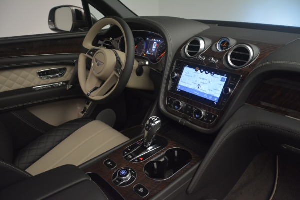 Used 2018 Bentley Bentayga Activity Edition for sale $154,900 at Pagani of Greenwich in Greenwich CT 06830 25