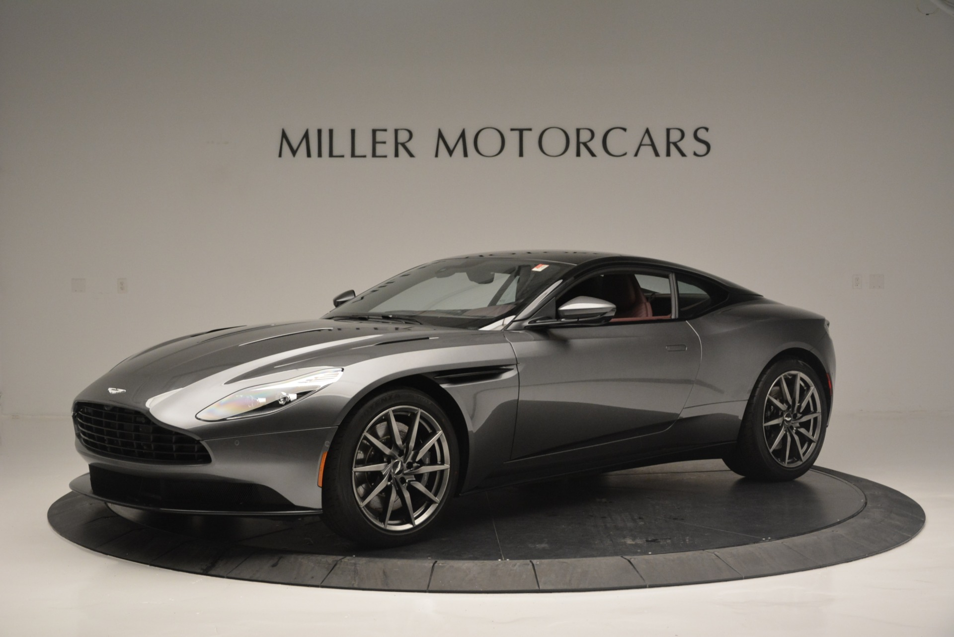 Used 2018 Aston Martin DB11 V12 for sale $167,990 at Pagani of Greenwich in Greenwich CT 06830 1