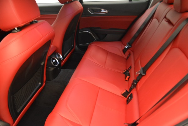 New 2018 Alfa Romeo Giulia Q4 for sale Sold at Pagani of Greenwich in Greenwich CT 06830 17