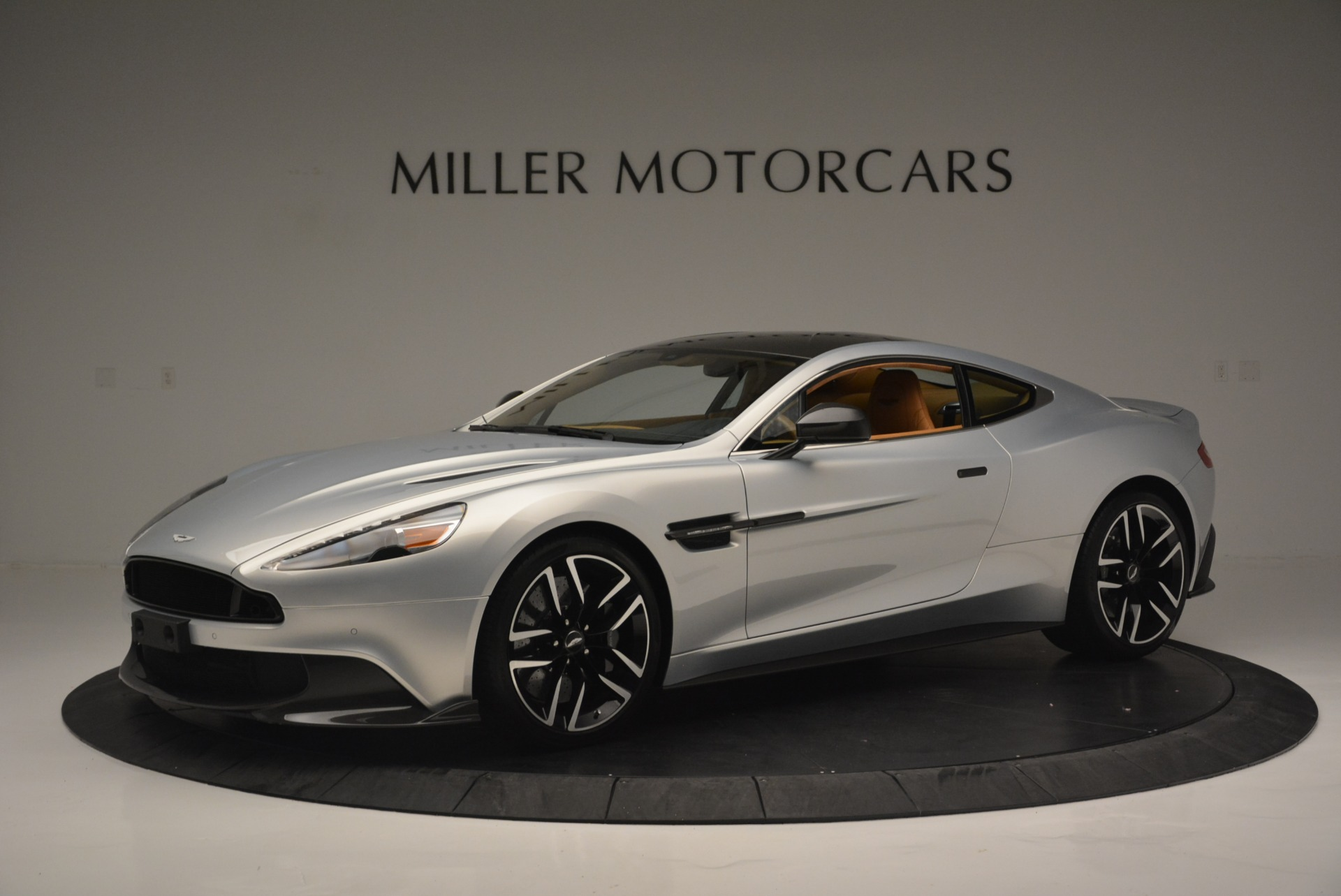 Used 2018 Aston Martin Vanquish S Coupe for sale Sold at Pagani of Greenwich in Greenwich CT 06830 1