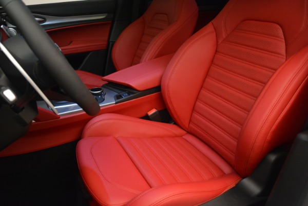 Used 2018 Alfa Romeo Stelvio Ti Sport Q4 for sale $36,900 at Pagani of Greenwich in Greenwich CT 06830 14
