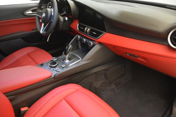 New 2018 Alfa Romeo Giulia Q4 for sale Sold at Pagani of Greenwich in Greenwich CT 06830 19