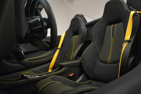 Used 2019 McLaren 570S Spider Convertible for sale $189,990 at Pagani of Greenwich in Greenwich CT 06830 25