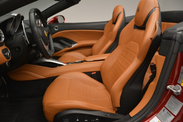 Used 2016 Ferrari California T for sale Sold at Pagani of Greenwich in Greenwich CT 06830 26