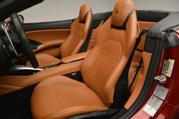 Used 2016 Ferrari California T for sale Sold at Pagani of Greenwich in Greenwich CT 06830 27