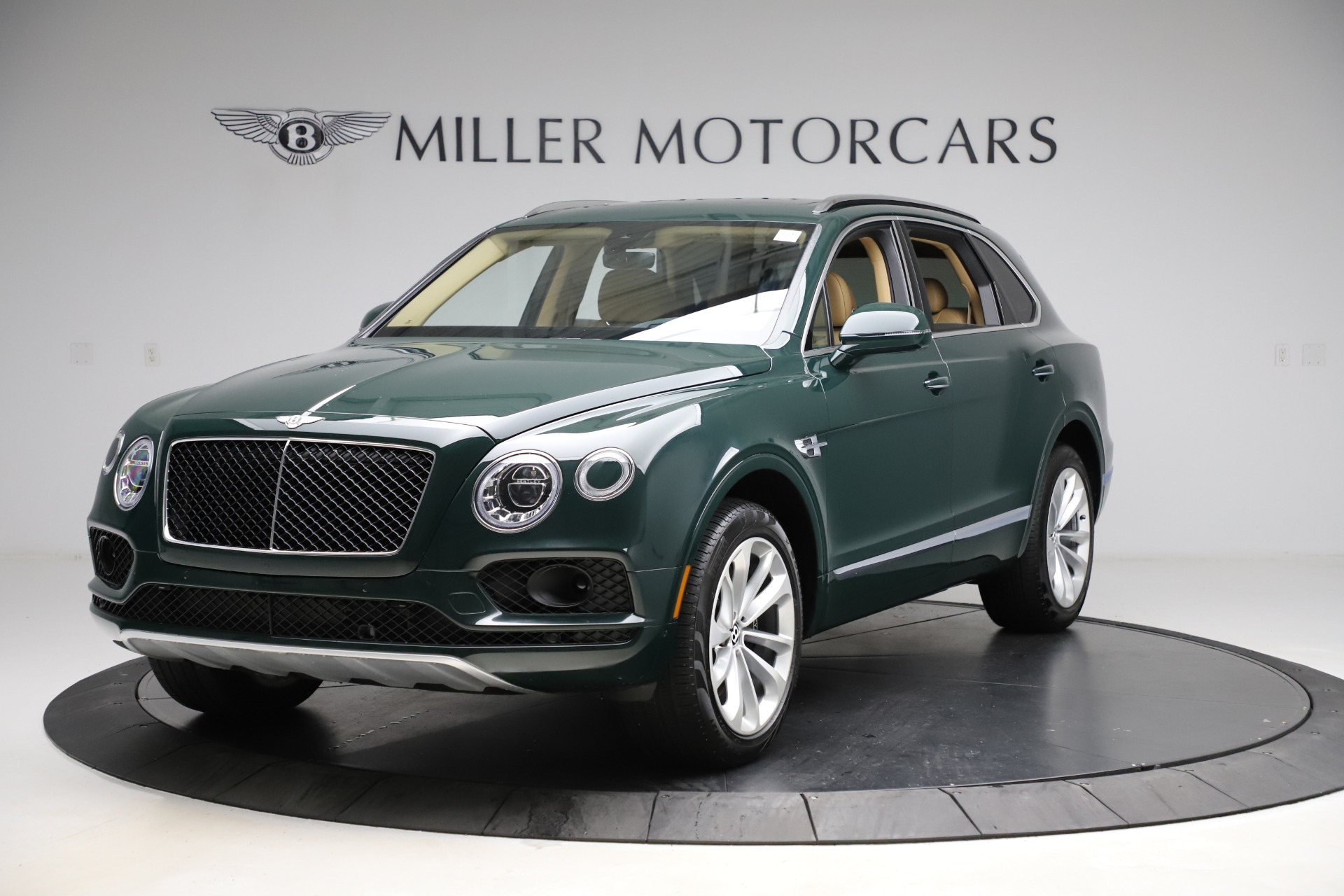 Used 2019 Bentley Bentayga V8 for sale $163,900 at Pagani of Greenwich in Greenwich CT 06830 1