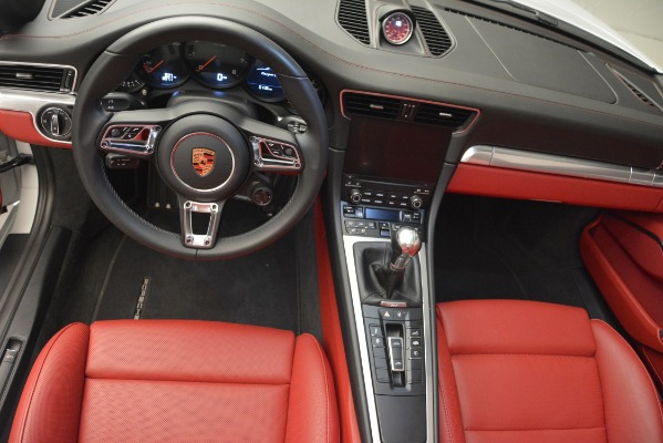 Used 2017 Porsche 911 Targa 4S for sale Sold at Pagani of Greenwich in Greenwich CT 06830 14