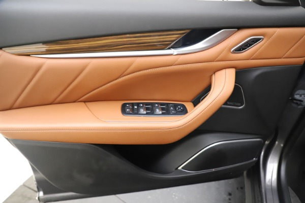 Used 2019 Maserati Levante Q4 GranLusso for sale Sold at Pagani of Greenwich in Greenwich CT 06830 17