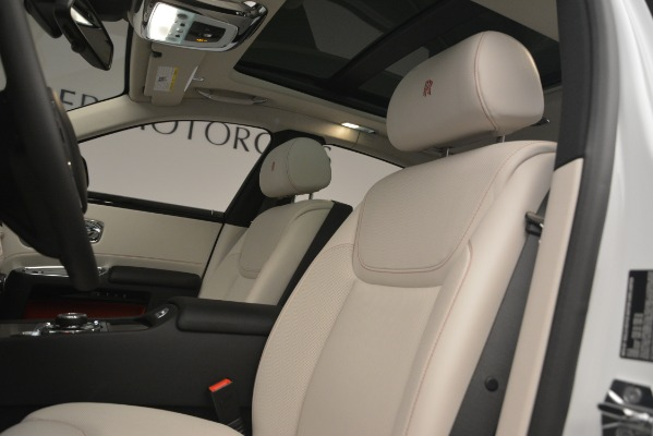 Used 2019 Rolls-Royce Ghost for sale $298,900 at Pagani of Greenwich in Greenwich CT 06830 14