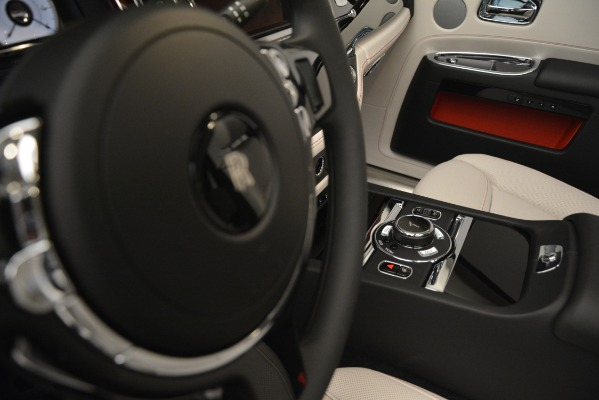 Used 2019 Rolls-Royce Ghost for sale $298,900 at Pagani of Greenwich in Greenwich CT 06830 28