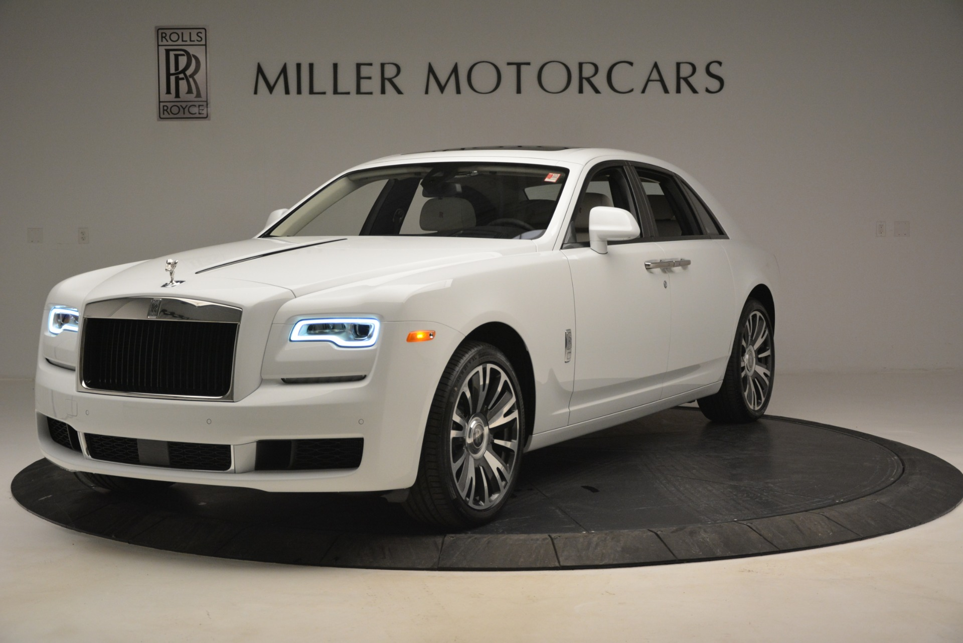 Used 2019 Rolls-Royce Ghost for sale $298,900 at Pagani of Greenwich in Greenwich CT 06830 1