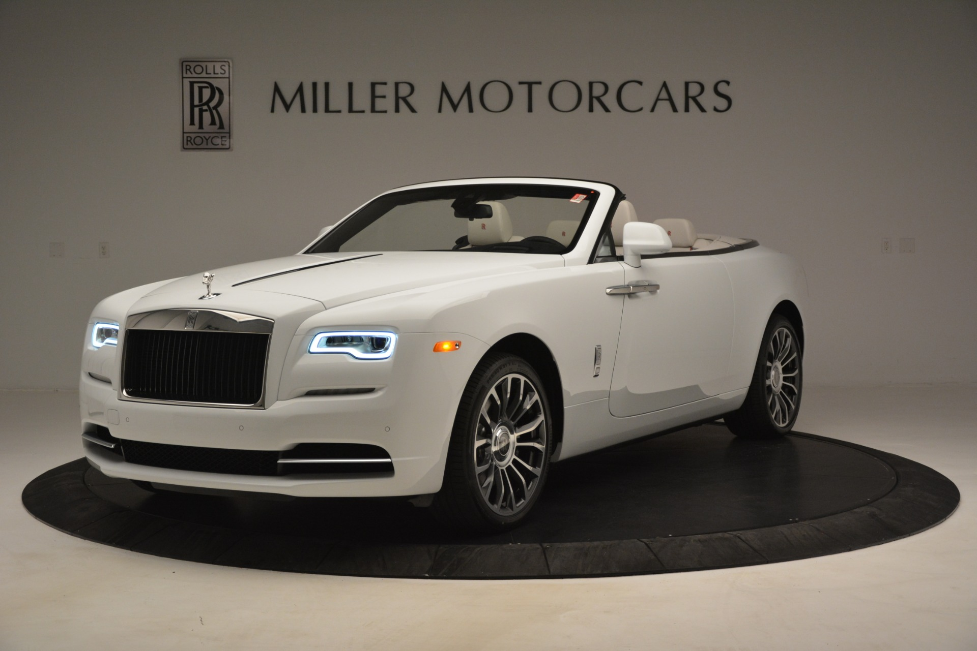 Used 2019 Rolls-Royce Dawn for sale $389,900 at Pagani of Greenwich in Greenwich CT 06830 1