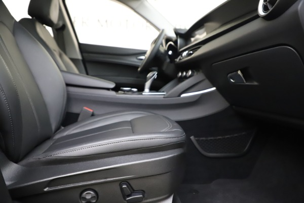Used 2019 Alfa Romeo Stelvio Q4 for sale Sold at Pagani of Greenwich in Greenwich CT 06830 23