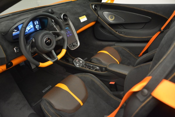 Used 2019 McLaren 570S SPIDER Convertible for sale $240,720 at Pagani of Greenwich in Greenwich CT 06830 23